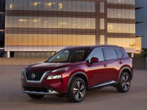 Edmunds Compares 2021 Mazda CX-5 and Nissan Rogue SUVs
